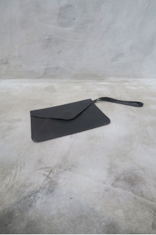 Envelope Clutch Short Handle