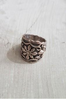 Ethnic Flower Ring